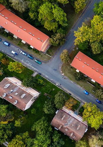 En flygbild över en stad.
